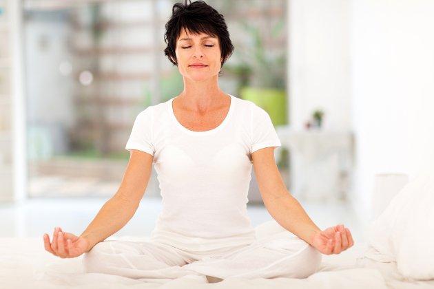 Mulher praticando Mindfulness