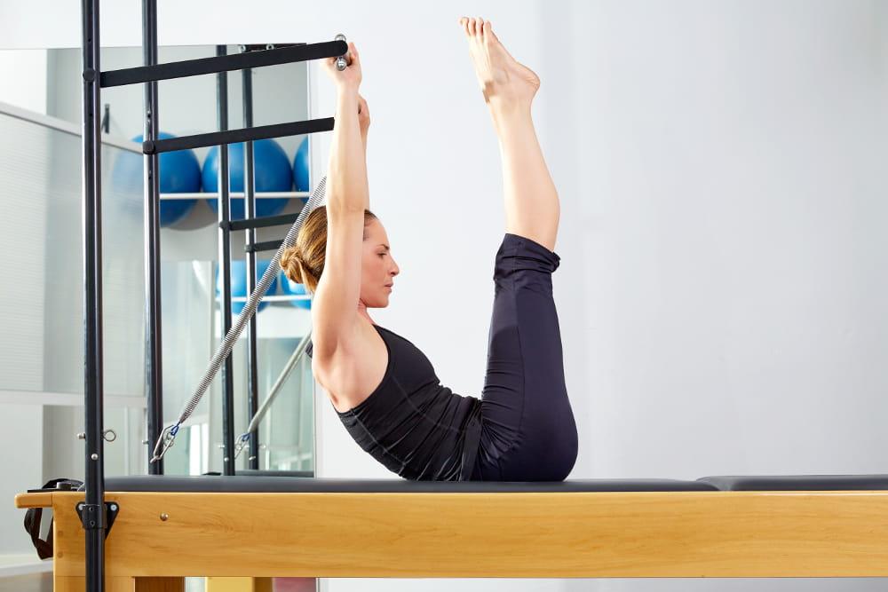 Pilates para mulheres: criando a consciência corporal e melhorando a postura.